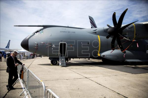 Airbus A400M performs demonstration flights hoping to end