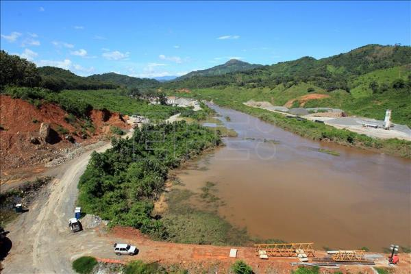 Companies building controversial dam in Panama hit with $1.2 mn in fines