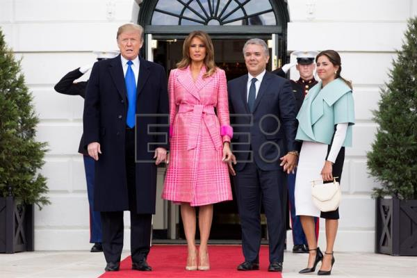 Trump no descarta un despliegue militar de EE.UU. en Colombia al recibir a Duque