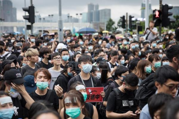 Anti-extradition bill protesters call for Hong Kong leader's resignation
