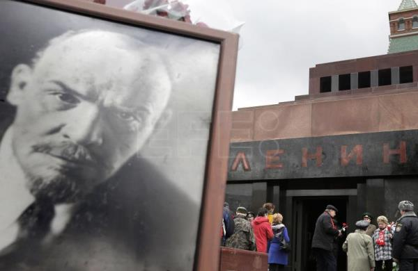 How does Lenin's body look so good 91 years after his ... |Lenin Body Maintenance