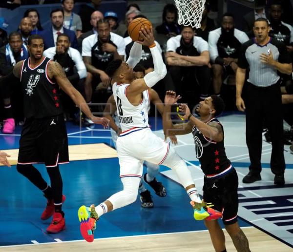 fe7ceb60ffb2 Durant leads comeback to take LeBron s team to victory in 2019 All-Star Game