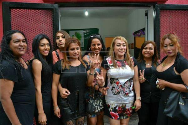 Argentina 39 s 1st trans hair salon giving former prostitutes for Motor city beauty salon