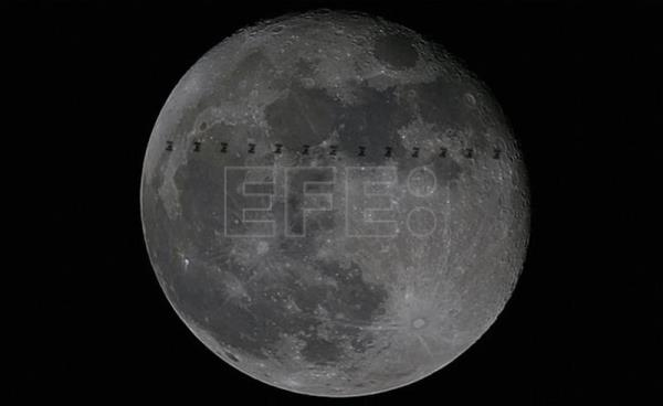 The_ISS-Moon_crossing_large