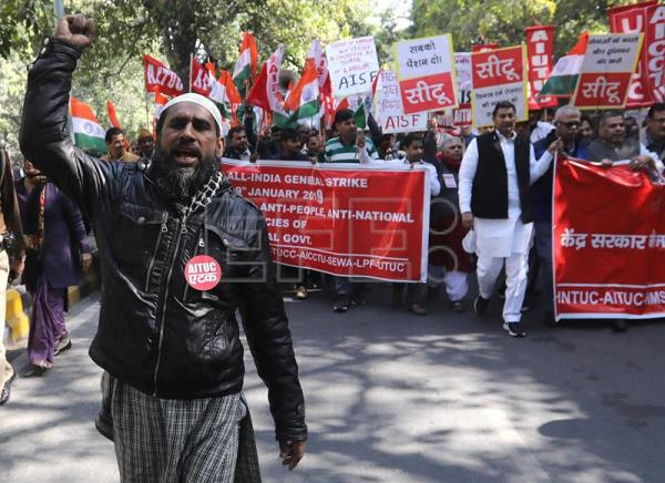 Indian workers continue protest against labor policies on Day 2