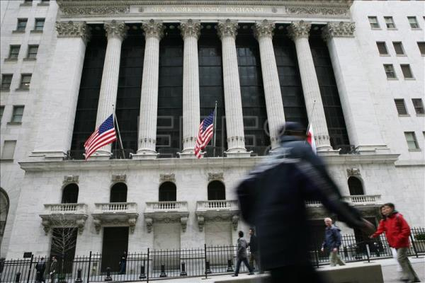 Wall Street halted operations due to technical failure.  EFE / Gino Domenico