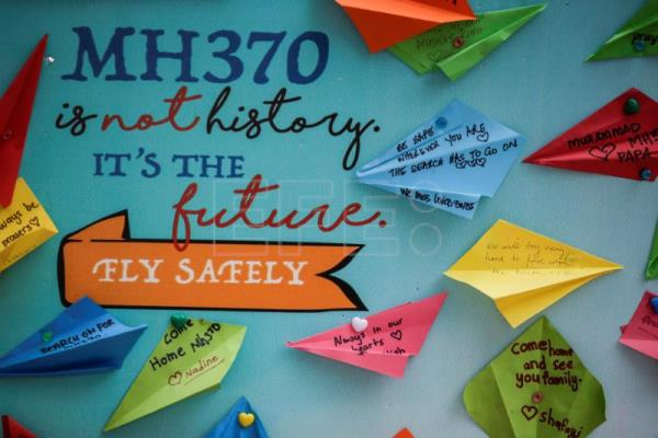 Families of MH370 passengers urge Malaysia for a fresh