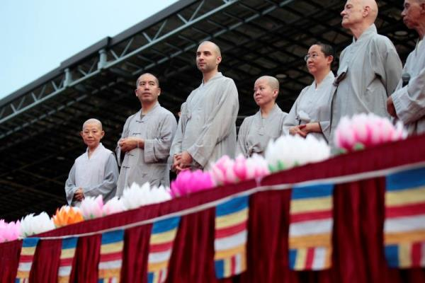 Devotees celebrate birth of Buddha in Singapore