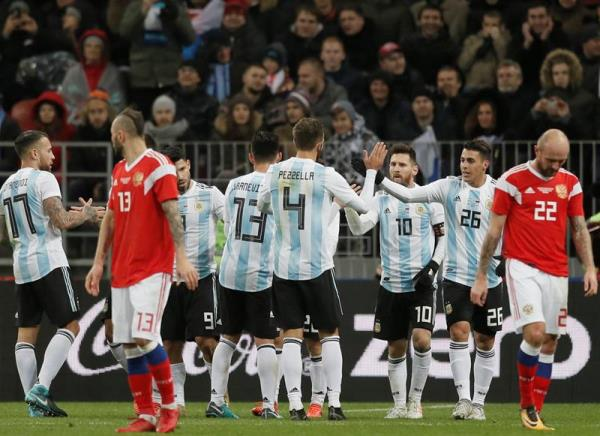 Sergio Aguero (3rd from left) of Argentina celebrates with his teammates after scoring against Russia during an international friendly soccer match at Luzhniki Stadium in Moscow, Russia, Nov. 11, 2017. EPA-EFE/YURI KOCHETKOV