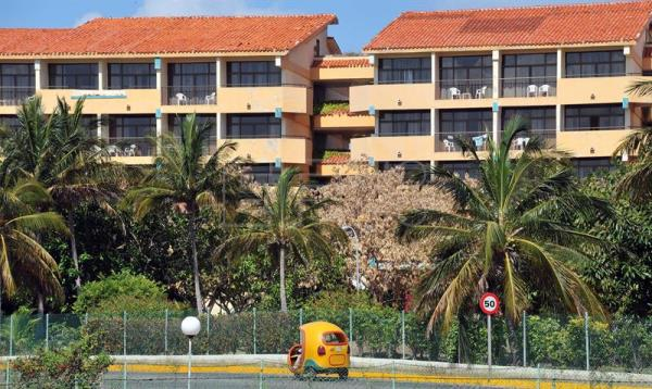 Cuba plans to add some 108,000 new tourist lodgings to existing facilities, like this hotel that is a tourist favorite on the beach at Varadero, as part of the National Plan for Economic and Social Development, between now and the year 2030. EFE/File