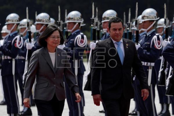 Guatemala president reiterates support for Taiwan during official visit
