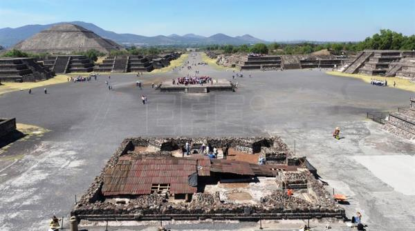 Mexican archaeologists describe new find at Teotihuacan site