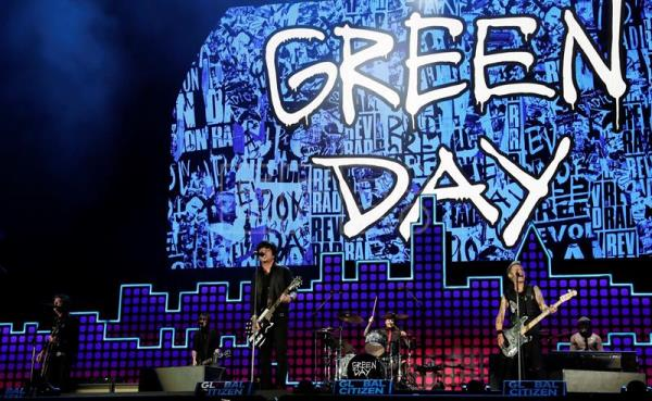 US band Green Day perform on stage during the Global Citizen Festival in Central Park in New York, USA, 23 September 2017. EFE