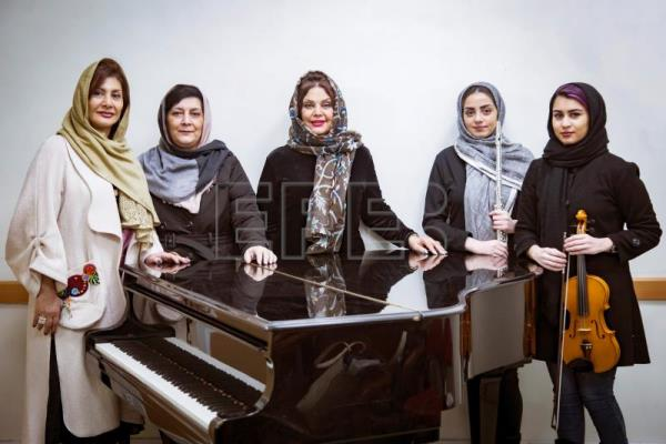 All-female company for women audiences seeks to keep opera alive in Iran