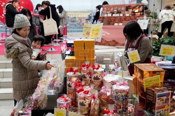 d71171255e72 Popularity of Valentine s Day chocolate tradition dips in Japan ...