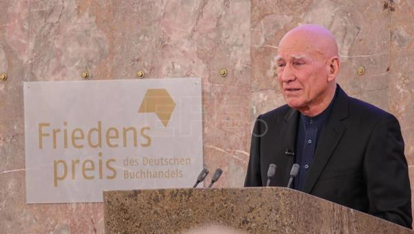 Sebastiao Salgado awarded with the Peace Prize of the German Book Trade