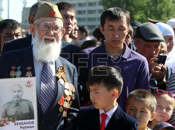 A Kyrgyz World War II veteran takes part in the Victory Day celebrations in Bishkek, the capital of Kyrgyzstan, May 9, 2017. EPA/IGOR KOVALENKO