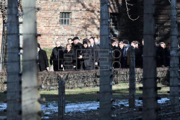 Angela Merkel's first Auschwitz visit: I feel deeply ashamed