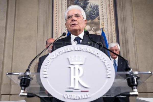 Italy's president gives parties more time to form gov't
