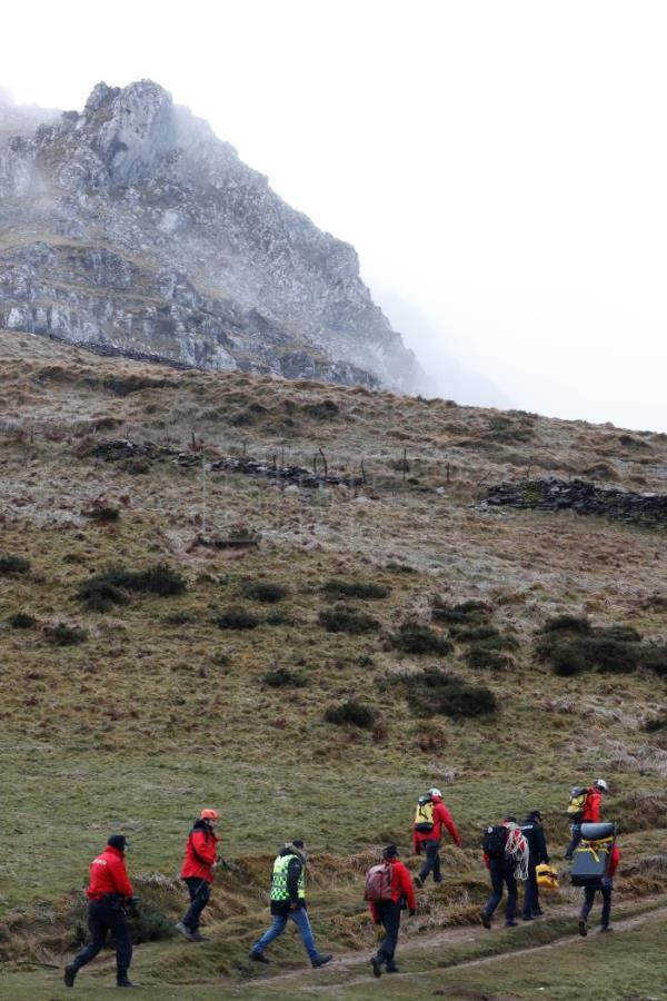 Rescue Services work on the scene where a small plane crashed in Mount Hernio in Errezil, Basque Country, northern Spain, Jan. 9, 2019. EPA-EFE/Juan Herrero