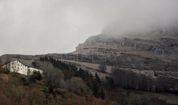 A view of the Mount Hernio in Errezil where a light aircraft crashed on Jan. 9 in Gipuzkoa, the Basque Country, northern Spain, Jan. 10, 2019. EPA-EFE/JUAN HERRERO