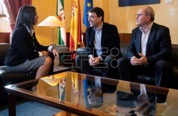 Marta Bosquet (L), head of the regional parliament of Andalusia meets with Socialist Party spokesman Mario Jiménez (C) and party secretary Juan Cornejo (R), Andalucía, Spain, Jan. 10, 2019. EFE