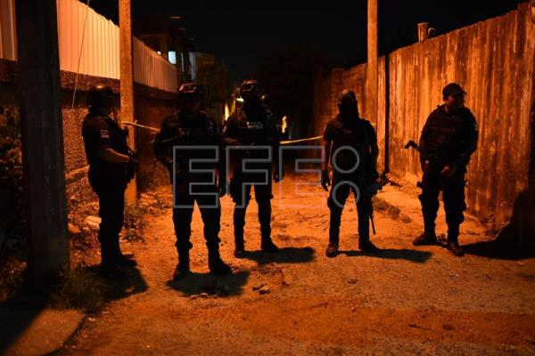 Gunmen kill 13 at party in Mexico