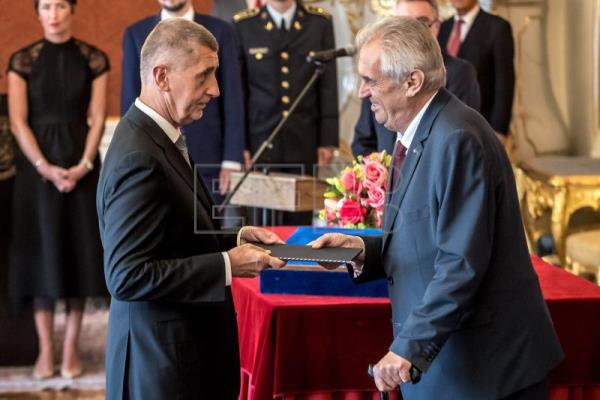Czech President Milos Zeman (R) hands over the documents as he appoints leader of the ANO movement Andrej Babis as new Czech Prime Minister at the Prague Castle in Prague, Czech Republic, June 6, 2018. EPA-EFE/MARTIN DIVISEK
