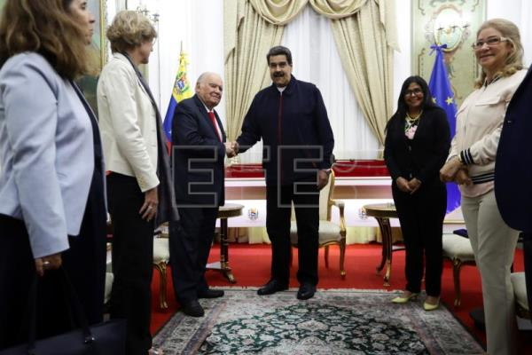 Venezuelan opposition returns to Barbados to continue talks with Maduro gov't
