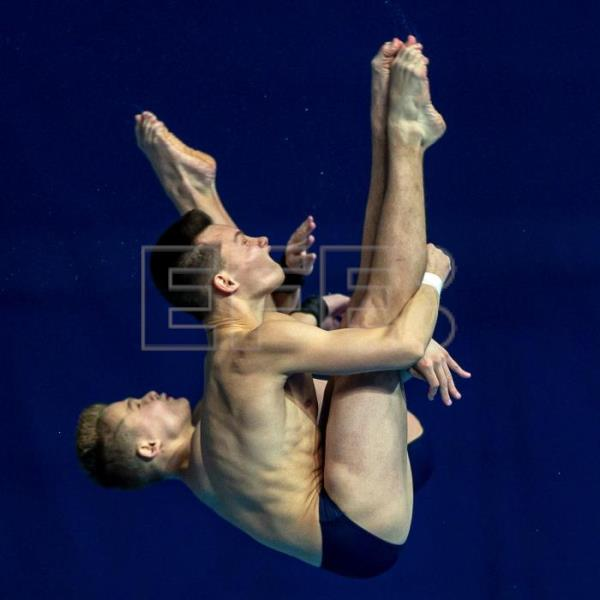 The somersaulting divers making a splash in South Korea