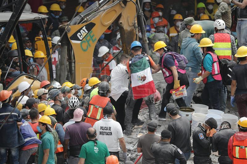 Fatalities in Mexico quake climb to 230