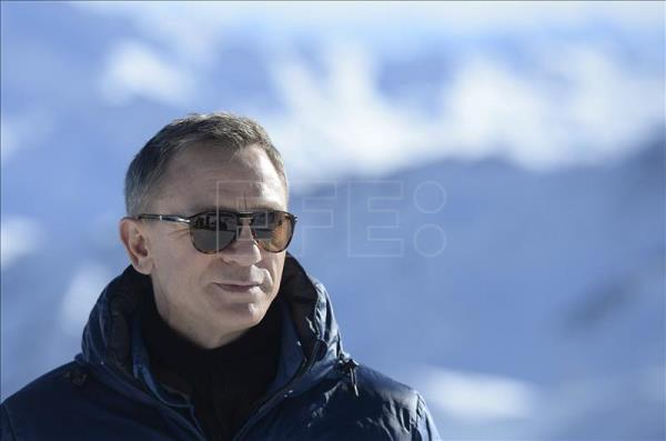 3 injured during filming of new Bond flick in Austria