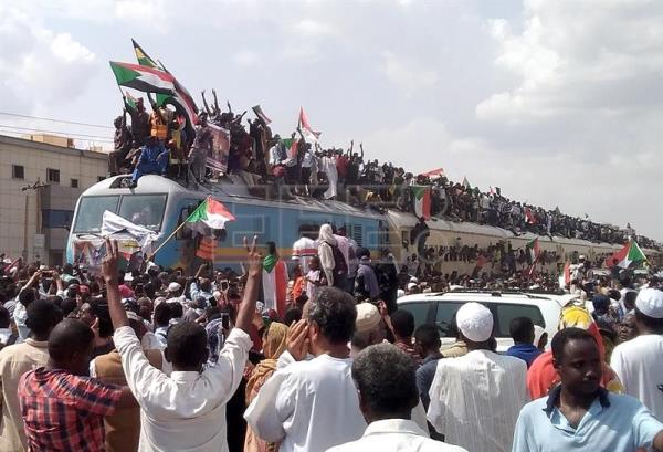 Celebrations for power sharing agreement signed in Sudan