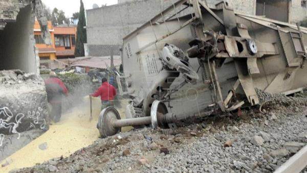 Photo provided by Ecatepec Civil Protection shows the site where a freight train derailed, in Ecatepec, Mexico on Jan. 18, 2018. EPA-EFE/Ecatepec Civil Protection
