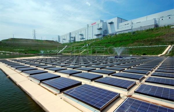 Singapore To Launch World S Largest Floating Solar Panels
