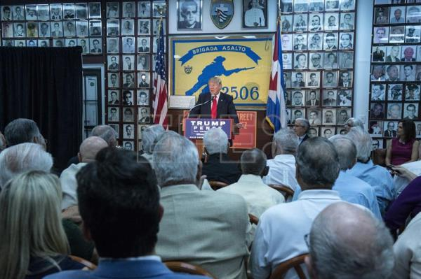 U.S. Republican presidential candidate Donald Trump delivers a speech during a visit to Brigade 2506, in Miami, United States, October 25, 2016. EFE/Giorgio Viera