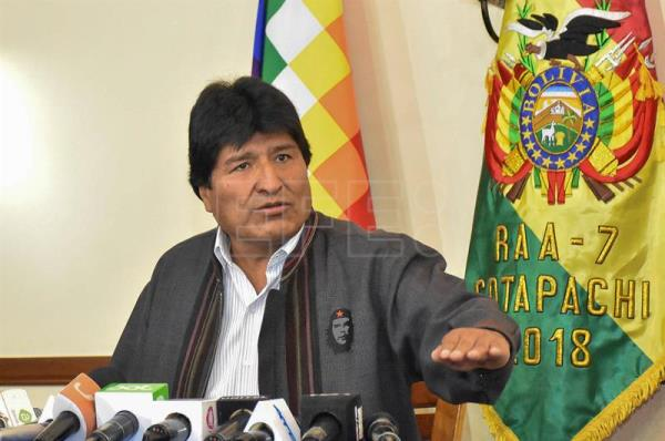 Bolivia's Morales questions Chile's commitment to peace