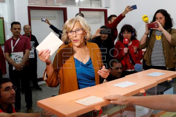 Busy day for Spanish voters as country holds local, regional and EU elections