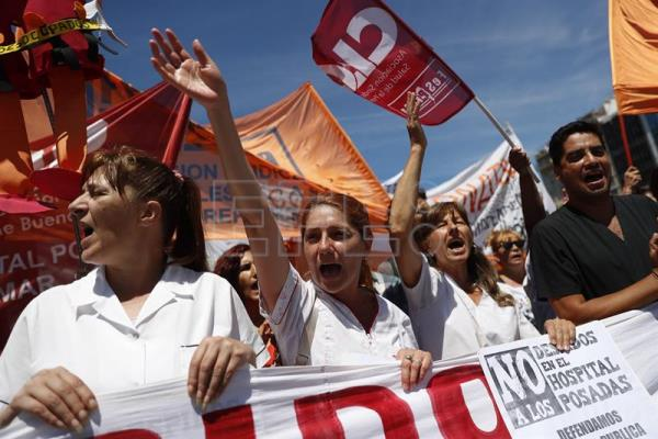 Argentine public employees go on strike to protest layoffs