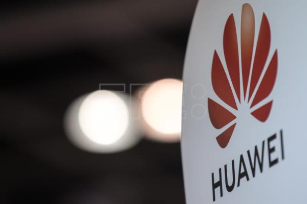 Trump gives Huawei another 90 days to do business with US firms