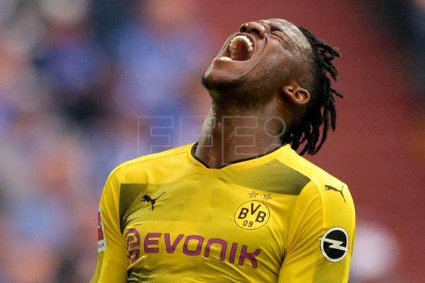 Dortmund's Michy Batshuayi reacts during the German Bundesliga soccer match between FC Schalke 04 and Borussia Dortmund at Veltins-Arena in Gelsenkirchen, Germany, on April 15, 2018. EPA-EFE FILE/SASCHA STEINBACH