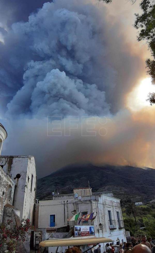 1 Dead, 1 injured in eruption of Italy's Stromboli volcano