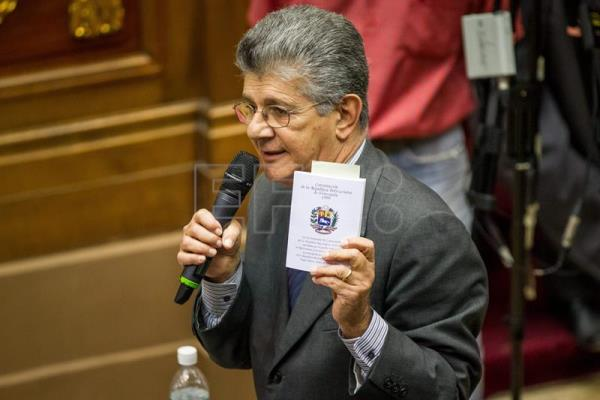 Speaker of the Venezuelan National Assembly Henry Ramos Allup speaks during a session in Caracas, Venezuela, Jan. 9, 2017. EFE/MIGUEL GUTIERREZ