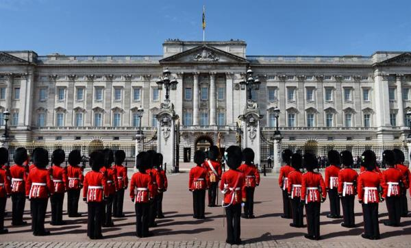 Spain 39 S King Queen To Stay At Buckingham Palace During