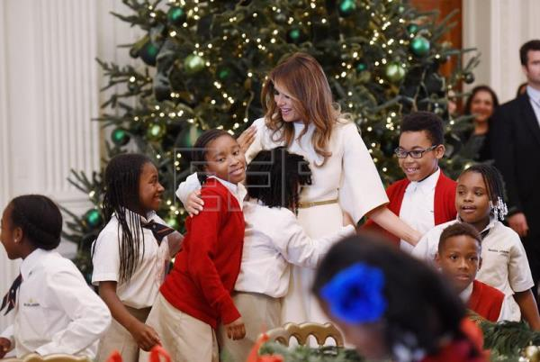 Melania Trump White House Christmas.Melania Trump Inaugurates White House Christmas Decorating