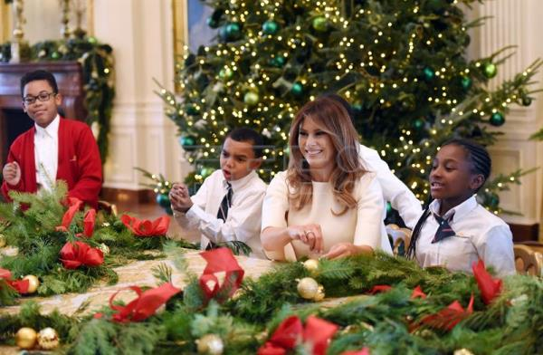 us first lady melania trump participates in arts and crafts projects with children and students from - Melania Trump Christmas Decorations