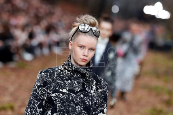 Chanel Presents Fall Collection Sends Models On Runway