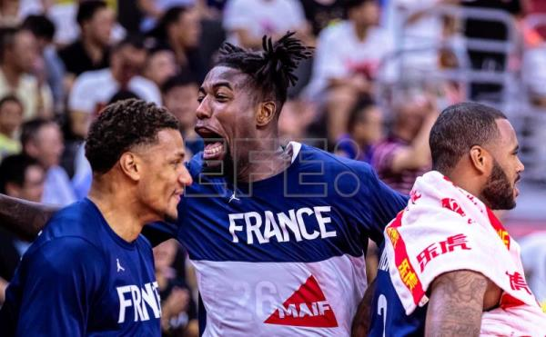 France advances to World Cup semis at USA's expense, Australia beats Czech