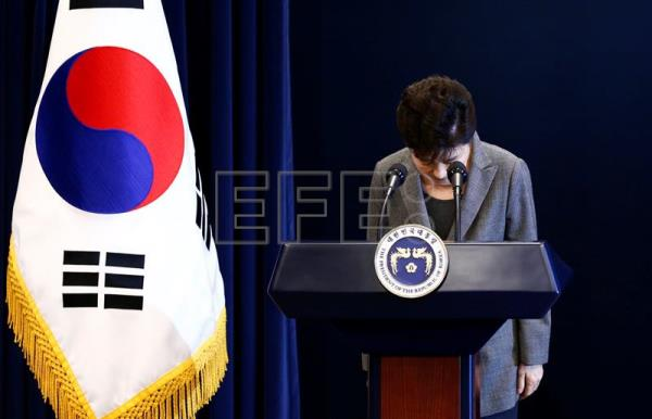 (FILE) South Korean President Park Geun-Hye bows during an address to the nation amid increasing calls for her resignation over a corruption scandal engulfing her presidency, involving her and her longtime friend Choi Soon-sil, at the presidential Blue House in Seoul, South Korea, 29 November 2016. EPA/JEON HEON-KYUN/POOL