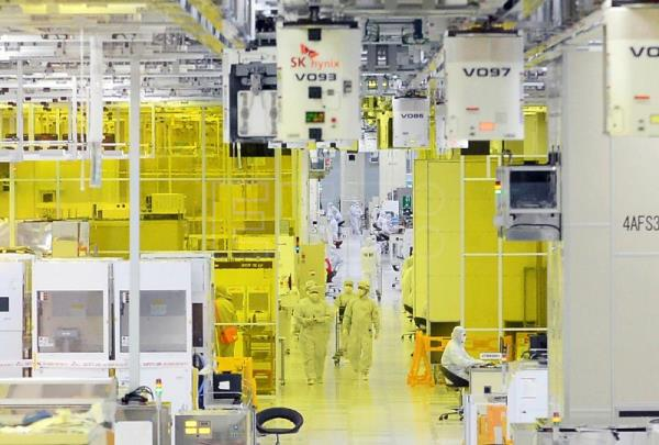 Japan to restrict export of semiconductor materials to South